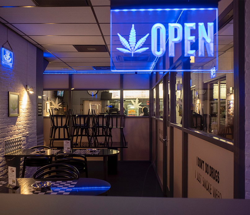 Cannabis smoke shop open